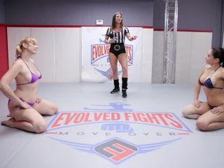 Mila von Mayhem vs Sheena Ryder