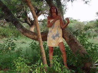 Pamela : Hairy Fun Movie