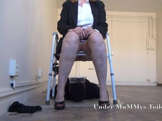 Under MuMMys Toilet - Open Your Mouth and Take My Shit TOILET [FullHD 1080P] - Screenshot 4