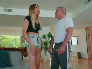 Casey Kisses Cumming Home (18 July 2019)