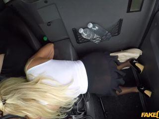 Tara Spades - Hot wife fucks in crotchless nylons (4361475) (28.07.2019)