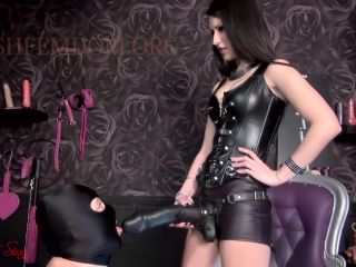 Cfnm – House of Sinn – Nothing is too big for your slutty ass – Mistress Lexa