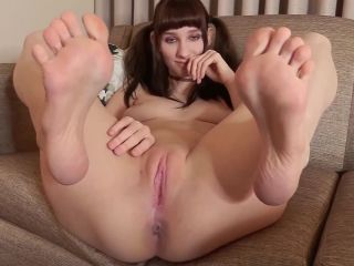 Lyra Fae – Pigtails, Feet, and Asstastic Dirty Talk