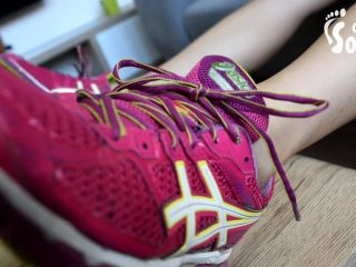 giantess fetish Czech Soles – Smelly Gym Feet And Sneakers Worship – Footworship, Foot Sniffing, footworship on feet