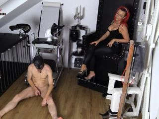 Cherie Noir – Fuck Bread Tell The World What A Loser You Are