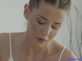 Sybil Kailena, Sereyna Gomez – Lovely masseuse pleasures client