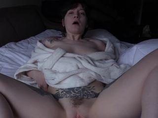 Bettie Bondage - Mom is a Cougar Part III [FullHD 1080P] - Screenshot 6
