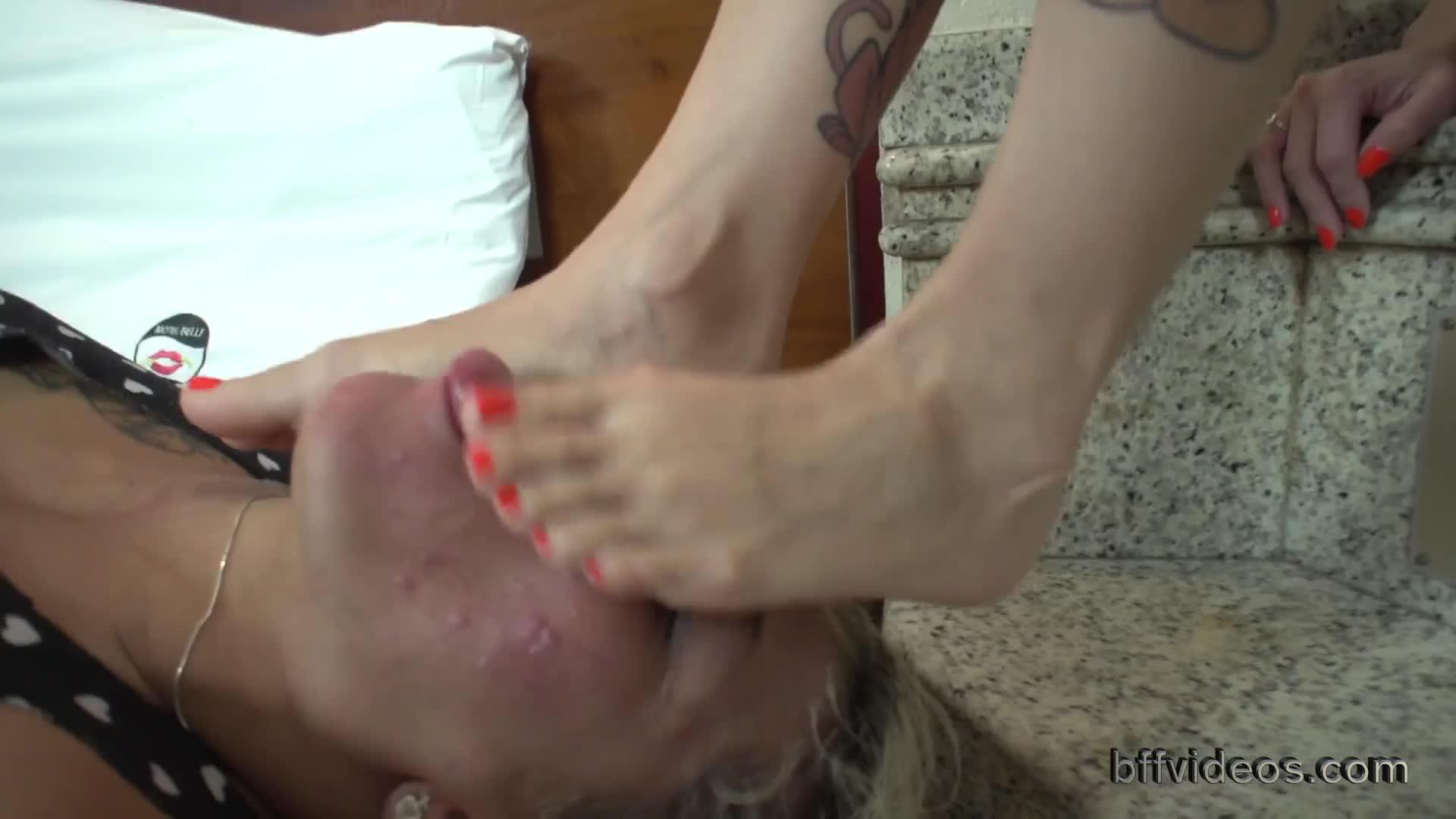 Lesbian Amateur Foot Worship