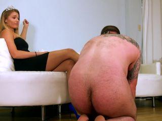 [Femdom 2018] THE MEAN GIRLS  Fan-Slave Visit 99. Starring Princess Amber [Foot Fetish, Goddess Worship, Foot Massage, Trampling, Trample]