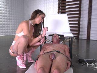 Caged Cock – VICIOUS FEMDOM EMPIRE – Squirt Queen Riley Reid