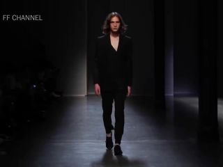 Does Nude fashion model catwalk oops very pity