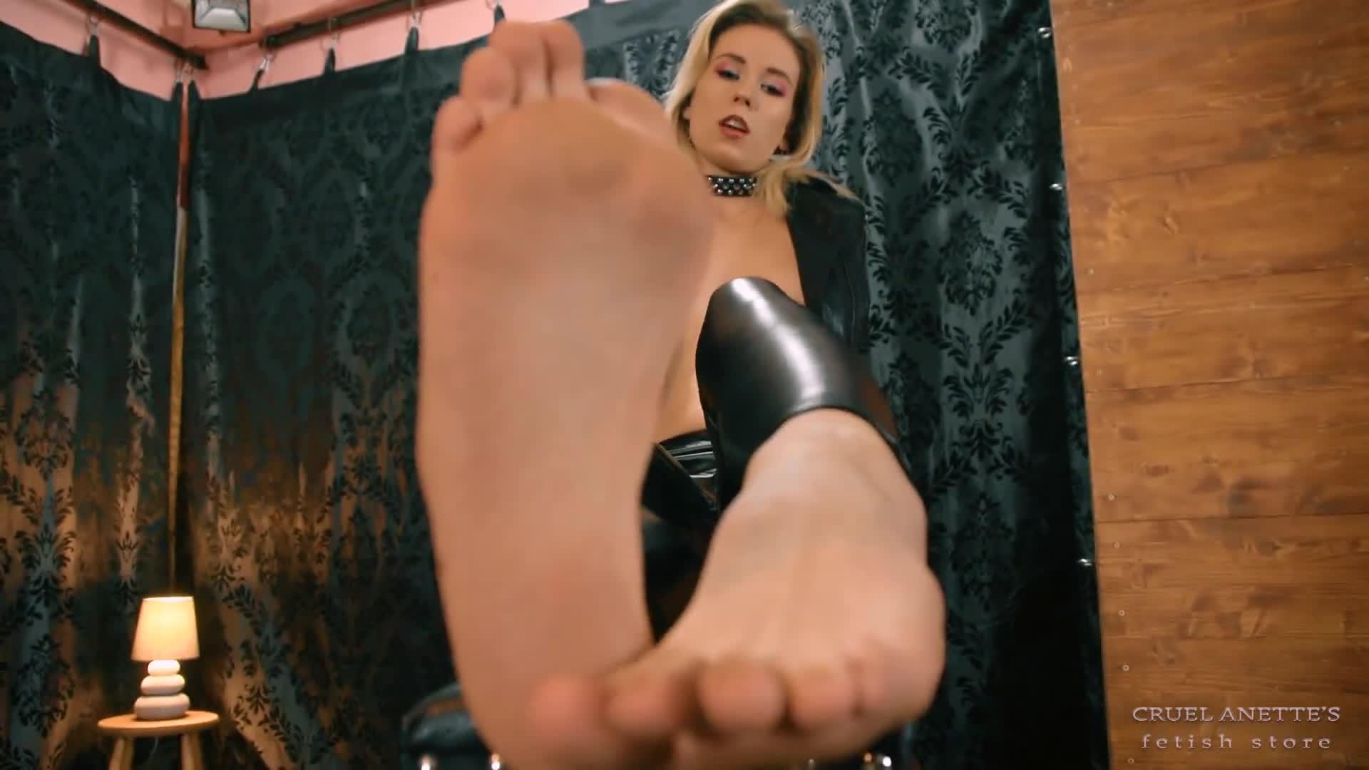 Alexis Grace Feet Worship