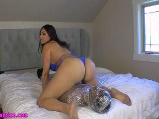 Goddess Jasmine Mendez – Smell my Butthole Loser !