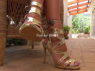 Smoking Smoke break