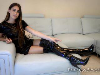 Princess Beverly – Dressed For Maximum Findom
