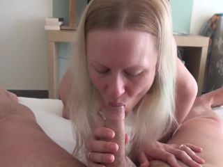 Vacation sex with big booty wife