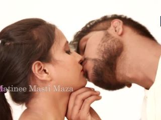 Hot Indian short films - Sona bhabhi Romance With young college boy