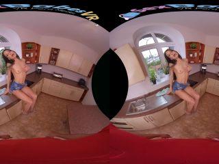 Online porn - SexBabesvr presents Dessert After Dinner – Smartphone 60 Fps virtual reality