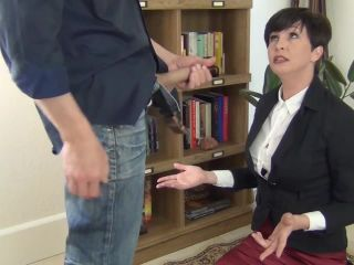 Clips4sale presents Mrs Mischief in Facefucking The Anger Management Counselor 2