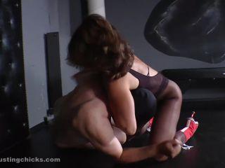 Ballbusting – Ball Busting Chicks – Grabbed Nuts – Inessa