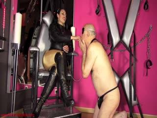 Leather – Mistress Ezada Sinn – Lucky to be My slave