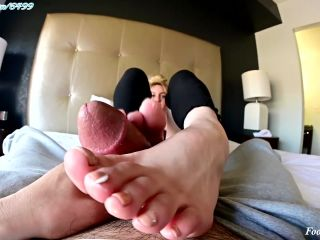 Online Tube Lee Madison yanks out another load! Footjob! Toejob! and Cum on Soles!! - handjob and footjob