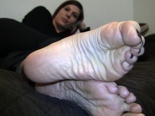Shiny soles – Jody's Size 10.5 Candid Stinky Soles Part 13