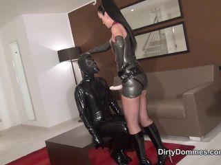Porn online [Femdom 2018] Dirty Dommes – Gasmask strap-on fuck part 1. Starring Fetish Liza [Pegging, Strap-On, Pantyhose, Boots, Fetish Liza, Liza, Dildo, Strap on] femdom