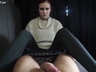 Anna sprayed on the socks feet in the casting bus – Tobey for real