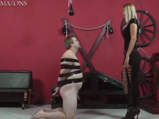 Face Slapping – CRUEL MISTRESSES – Show her both cheeks