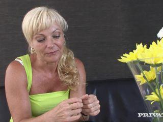 Blonde MILF Renata Enjoys Anal Sex after Giving Her Lover a Blowjob