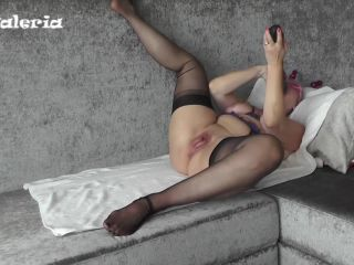 Hotvaleria – Old Tart Is Fucking A Giant Doubledong