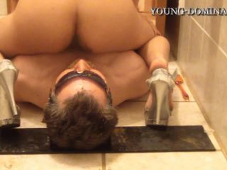 Shit and Shower with Christine and Daniela Part 3 [HD 720P] - Screenshot 4