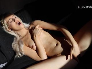 Online tube ManyVids presents AllyMaexoxo in Morning Play