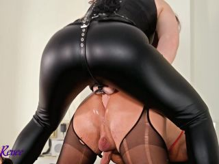 Leather hooded gimp gets fucked [HD 720P] - Screenshot 4