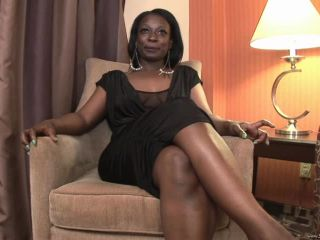 Watch how Climaxx so pleased by her BBC male stripperthat she tipped h ...