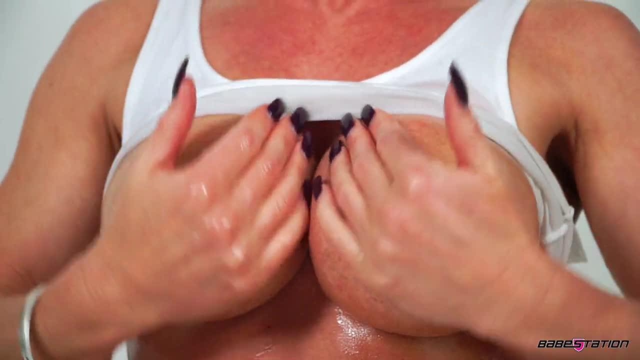 {solo October15 Lynda Leigh White Tshirt Oil (mp4, , 144.74 - k2s.tv