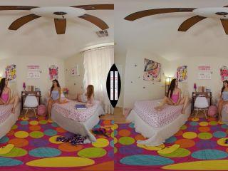 Naughty America VR – Jazmin Luv, Samantha Reigns & Penelope Woods