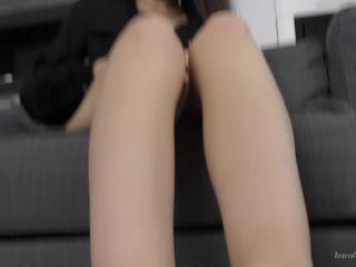 Karolinkas Feet – I love the aroma of my feet