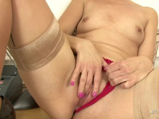 45 years old milf Penny Brooks shows off her horny pussy
