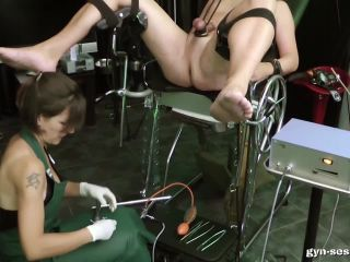 Amator – Gyn-Session – Baroness Mercedes – Baroness Mercedes' Clinic