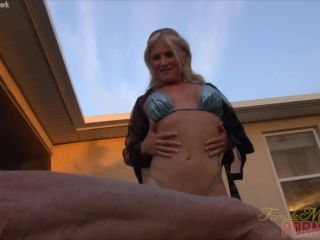 Mandy Foxx - What Does The Foxx Say?