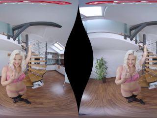 Virtual Escort – Blanche Bradburry