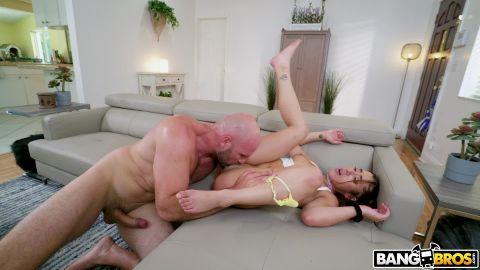Kira Perez - Kira Loves Big Cocks [FullHD 1080P]