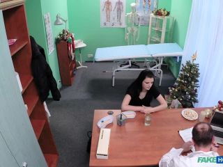 Movie title Alice Nice - Doc Gives Patient Christmas Cheer