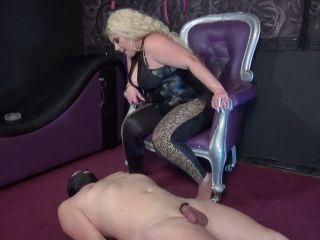 kinkymistresses  mistress aida  trampling  supremacy