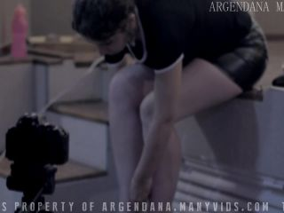 ArgenDana in Fisting christmas in a motel