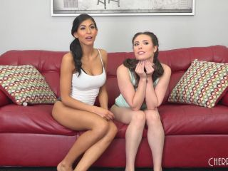 Super Hot Babes Heather And Casey LIVE