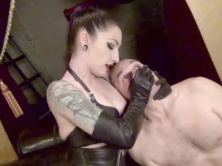 Bondage – DomNation – LEATHER CLAD SLAP BRUTALITY – Mistress Cybill Troy
