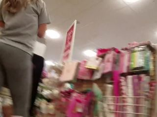 Candid teen grey leggings booty!